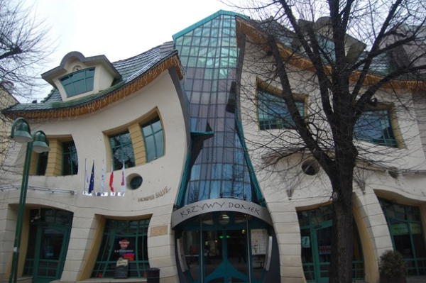 crooked-house-sopot