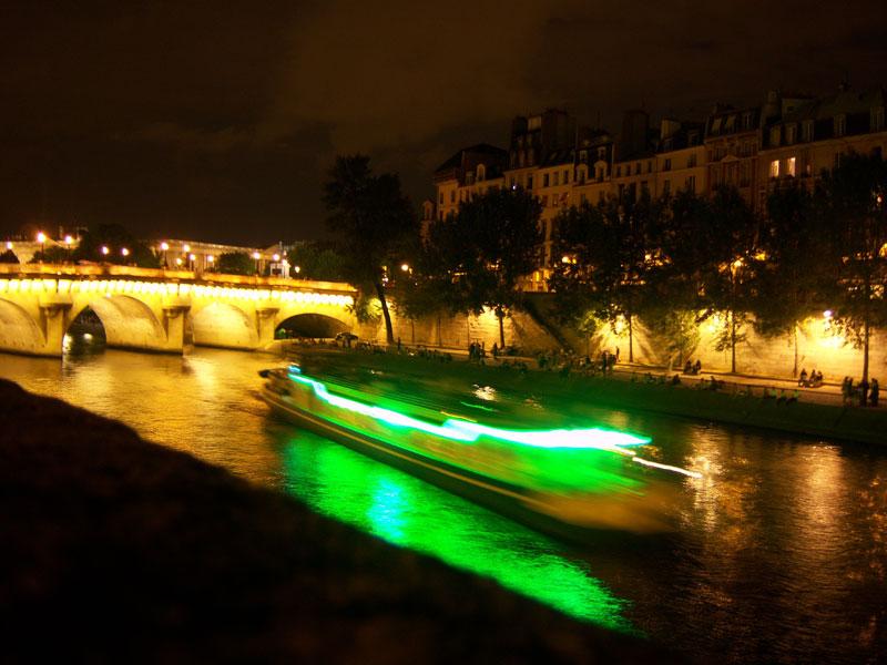 walk along the Seine