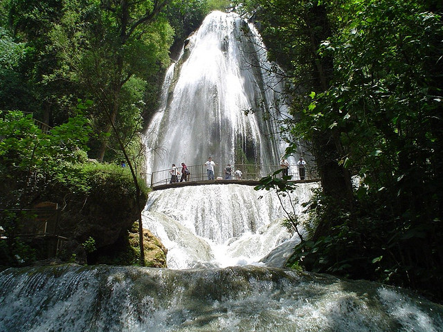 Cola de Caballo waterfall